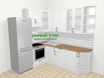Угловая кухня из массива дерева в скандинавском стиле 6,6 м², 190 на 240 см, Белые оттенки, верхние модули 92 см, встроенный духовой шкаф, холодильник