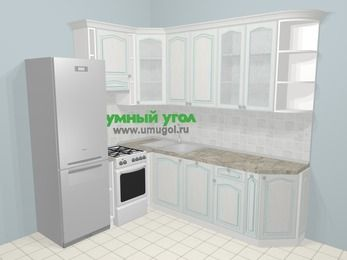Угловая кухня МДФ патина в стиле прованс 6,6 м², 190 на 240 см, Лиственница белая, верхние модули 92 см, посудомоечная машина, холодильник, отдельно стоящая плита