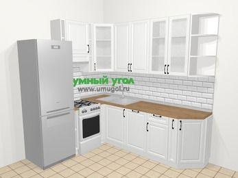 Угловая кухня из массива дерева в скандинавском стиле 6,6 м², 190 на 240 см, Белые оттенки, верхние модули 92 см, посудомоечная машина, холодильник, отдельно стоящая плита