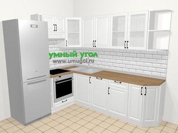Угловая кухня из массива дерева в скандинавском стиле 6,8 м², 190 на 250 см, Белые оттенки, верхние модули 72 см, посудомоечная машина, встроенный духовой шкаф, холодильник