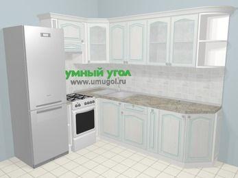 Угловая кухня МДФ патина в стиле прованс 6,8 м², 190 на 250 см, Лиственница белая, верхние модули 72 см, холодильник, отдельно стоящая плита