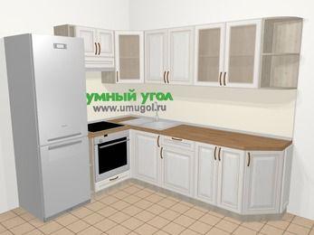 Угловая кухня МДФ патина в классическом стиле 6,8 м², 190 на 250 см, Лиственница белая, верхние модули 72 см, встроенный духовой шкаф, холодильник