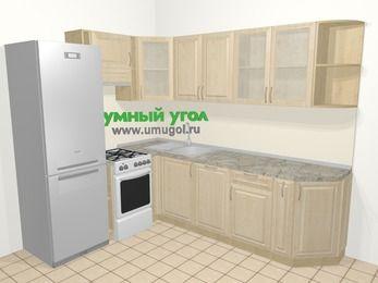 Угловая кухня из массива дерева в классическом стиле 6,8 м², 190 на 250 см, Светло-коричневые оттенки, верхние модули 72 см, посудомоечная машина, холодильник, отдельно стоящая плита