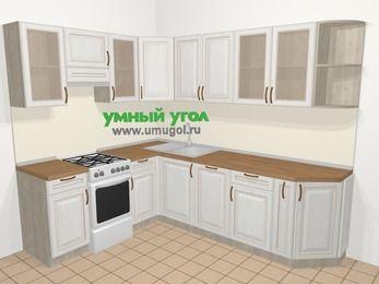 Угловая кухня МДФ патина в классическом стиле 6,8 м², 190 на 250 см, Лиственница белая, верхние модули 72 см, посудомоечная машина, отдельно стоящая плита