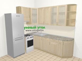 Угловая кухня из массива дерева в классическом стиле 6,8 м², 190 на 250 см, Светло-коричневые оттенки, верхние модули 92 см, посудомоечная машина, холодильник, отдельно стоящая плита