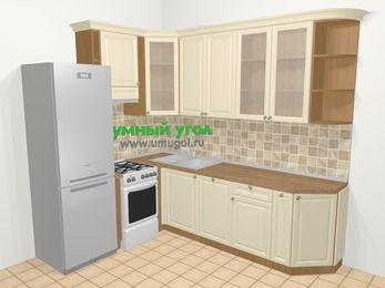 Угловая кухня из массива дерева в стиле кантри 6,8 м², 190 на 250 см, Бежевые оттенки, верхние модули 92 см, посудомоечная машина, холодильник, отдельно стоящая плита