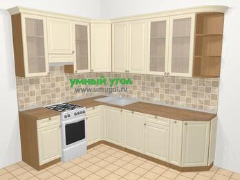 Угловая кухня из массива дерева в стиле кантри 6,8 м², 190 на 250 см, Бежевые оттенки, верхние модули 92 см, посудомоечная машина, отдельно стоящая плита