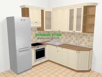 Угловая кухня из массива дерева в стиле кантри 6,7 м², 210 на 230 см, Бежевые оттенки, верхние модули 92 см, встроенный духовой шкаф, холодильник