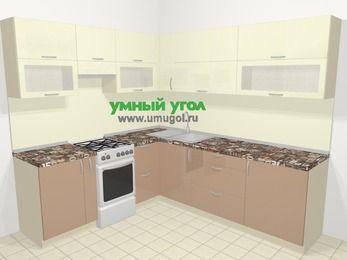 Угловая кухня МДФ глянец в современном стиле 6,9 м², 210 на 240 см, Жасмин / Капучино, верхние модули 72 см, отдельно стоящая плита