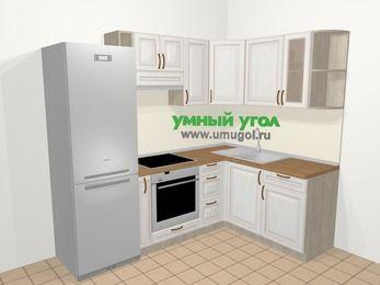 Угловая кухня МДФ патина в классическом стиле 5,7 м², 230 на 160 см, Лиственница белая, верхние модули 72 см, встроенный духовой шкаф, холодильник