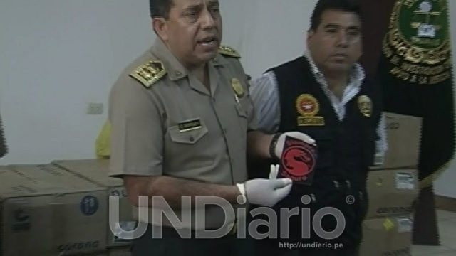 jefe-policial-con-sticker-dragon-rojo
