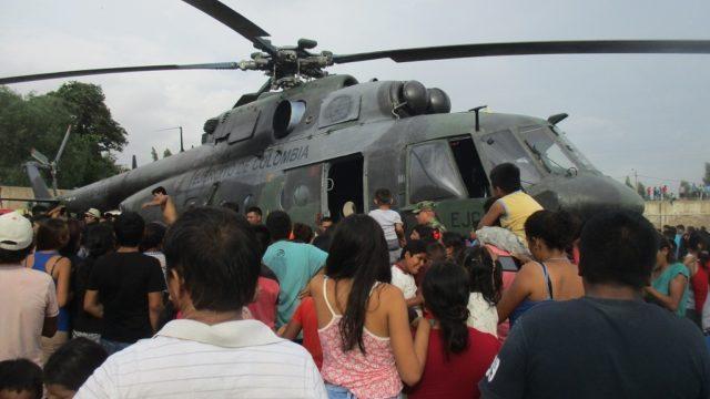 Img 8436  Helicóptero Del Ejército De Colombia  Transporte Ayuda Damnificados Lluvias  Estadio Cp Pacanguilla Pacanga 2017