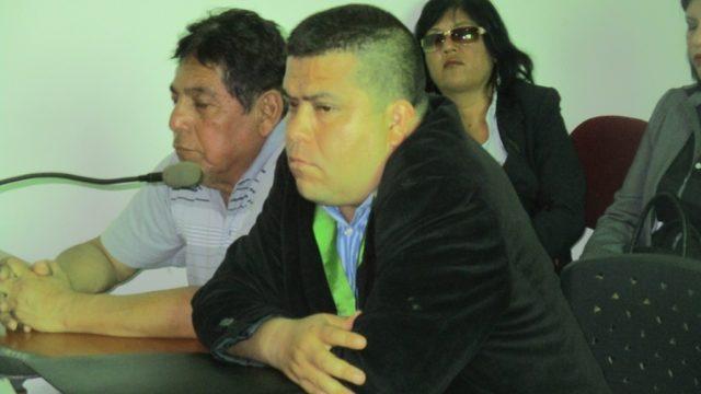 Img 4829  Luis Octavio Yupanqui Montenegro Acusado Estafa Izquierda Y Su Abogado Derecha  Condena  Jpuch 2017