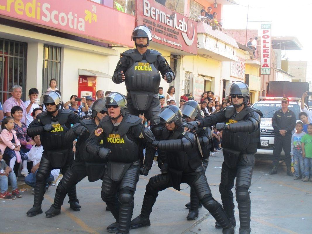 Img 6217  Exhibición Policía Nacional Chiclayo  Corso Carros Alegóricos 58 Semana Chepén 2017