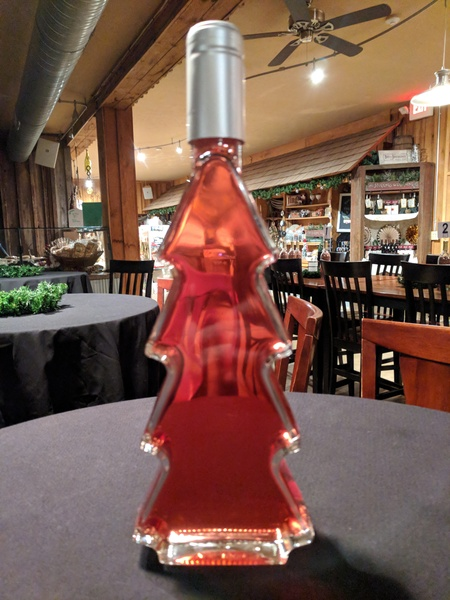 Product Image - 2018 Christmas Catawba in a clear Tannenbaum Bottle