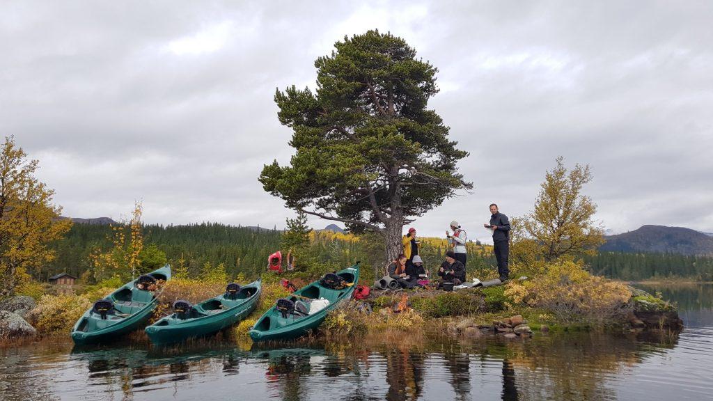 Canoe – Beito Husky Tours