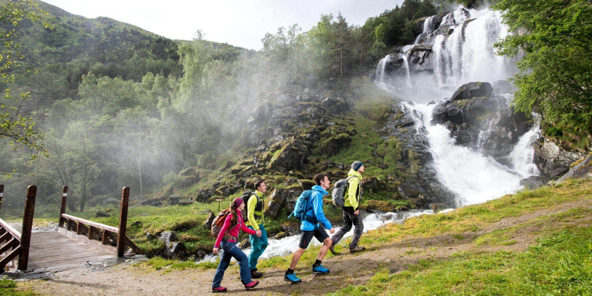 Kongevegen, Soknafossen waterfall, Galdane. Foto by Yngve Ask
