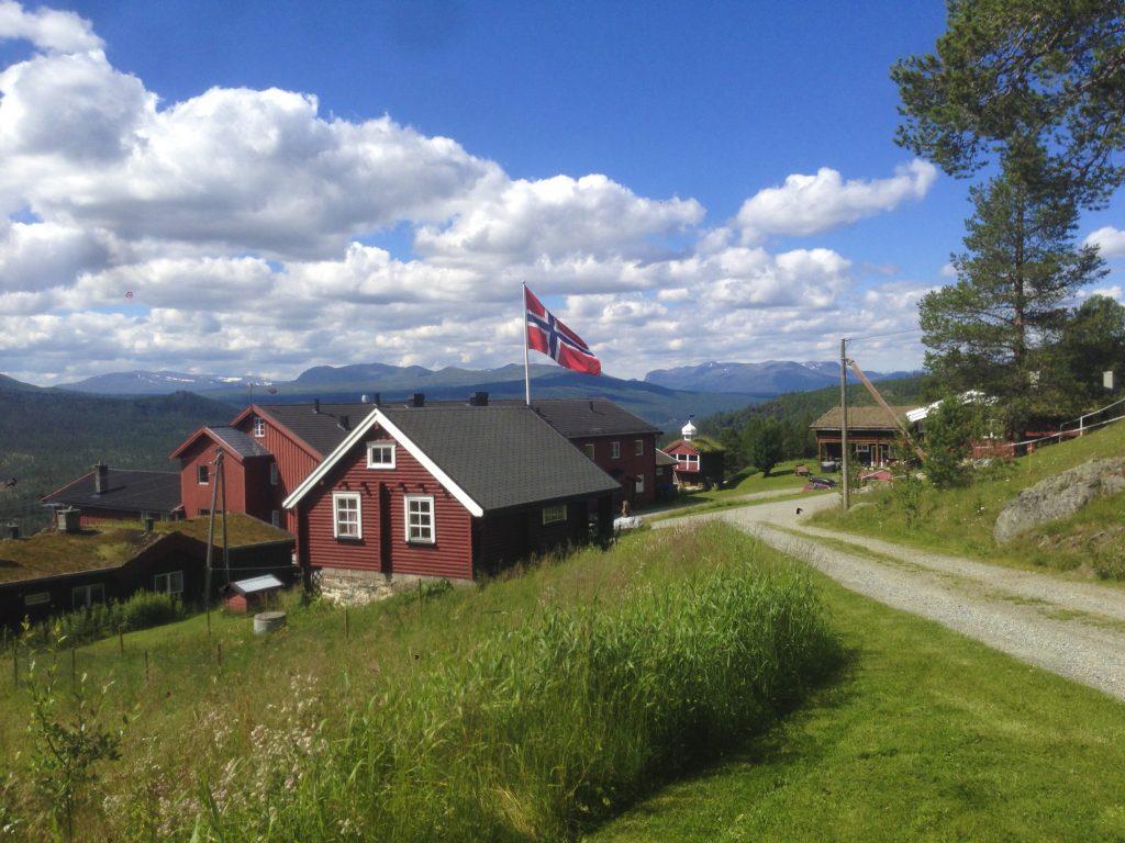 Ruten Fjellstue utendørs sommer og høst – By Arthur Bredli (4)