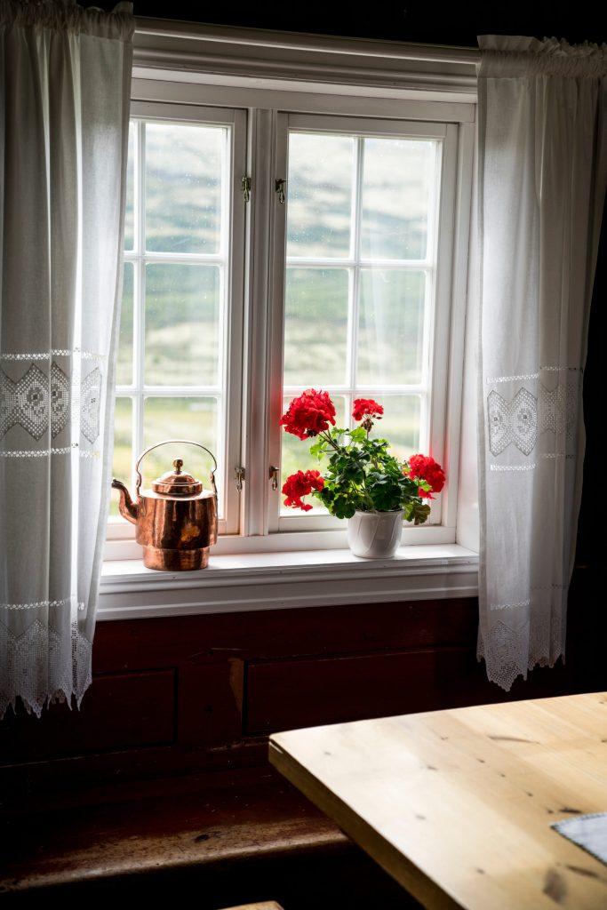 A window at Grimsdalshytta