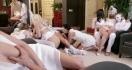 Deutscher s Frauenzimmer beim Gangbang gefickt