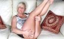 Oma Sexvideo  beim feuchten Sex haben