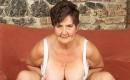 Oma Sexvideo - Versaute Oma will Facial