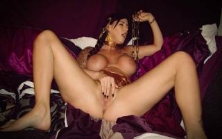 Deutscher Porno - Hemmungslose Teenyschlampe steht auf Sperma in der Freße