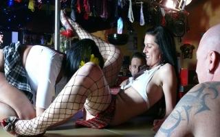 Pornovideo - Willige Omas möchten geknallt werden