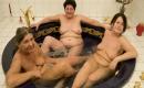 Unzensierter Gruppensex Pornofilm mit spermageilem Amateur Girl aus Austria