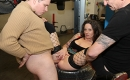 Tattoo Teen in Garage gefickt