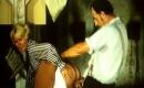 deutsche Pornofilme - Hemmungsloses Milf-Weib wird beim Gruppensex knallhart gebumst
