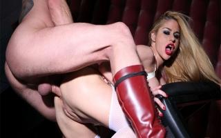 deutsche Pornofilme Porno Video mit feuchter Cougar