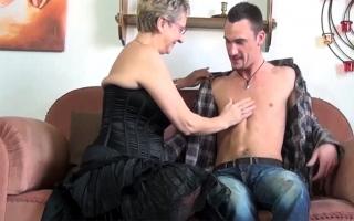 Deutscher Porno - Buntes Sexvideo mit schwanzgeiler Lady