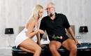 Deutschsprachige Pornoseite - Exklusives Porn Video mit feuchter Schlampe