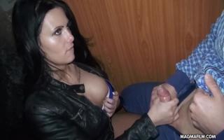 Sexvideo Stylisches XXX Video mit rothaariger Pussy