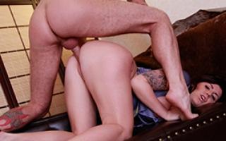 Pornofilm Fotze steht auf Sperma schlucken