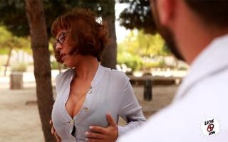 Pornofilm - Willige Frau steht auf Blowjobs