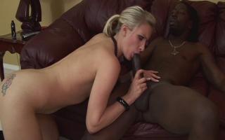 Deutsches Sexvideo Gierige Fotzen beim bumsen