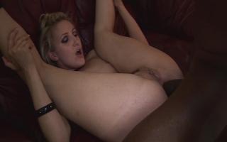 Deutsche Pornofilme - Hemmungslose Milf-Schlampen möchten Blowjobs