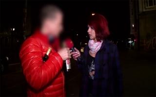 Deutsches Sexvideo - Geiles Amateurluder wird auf dem Küchentisch gnadenlos durchgefickt
