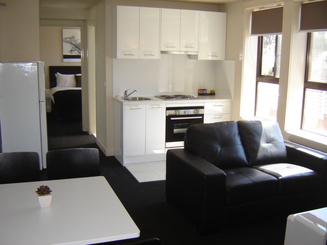 2 Bedroom Serviced Apartments Melbourne: Apartments on Chapman