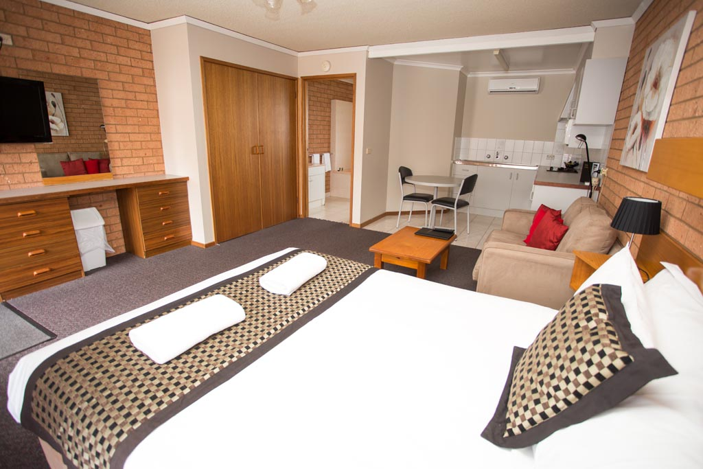 Blue-Whale-Deluxe-Room-with-Spa