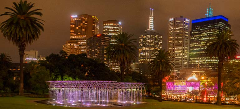 city-limits-melbourne-hotel-near-parliament-gardens