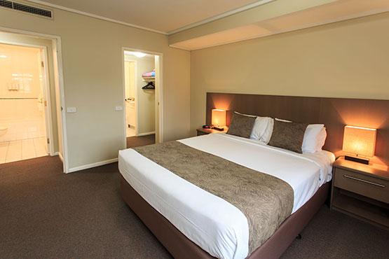 Three Bedroom Apartment Melbourne City