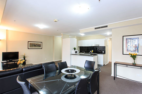 Fabulous Melbourne 3 Bedroom Apartments Paramount Serviced Download Free Architecture Designs Licukmadebymaigaardcom