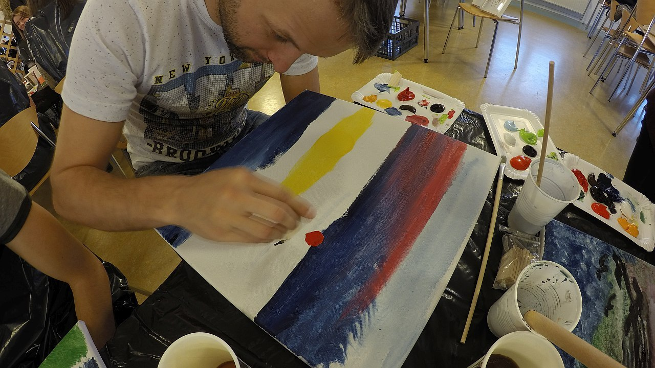 I am painting like in kindergarten (reverse time-lapse video)