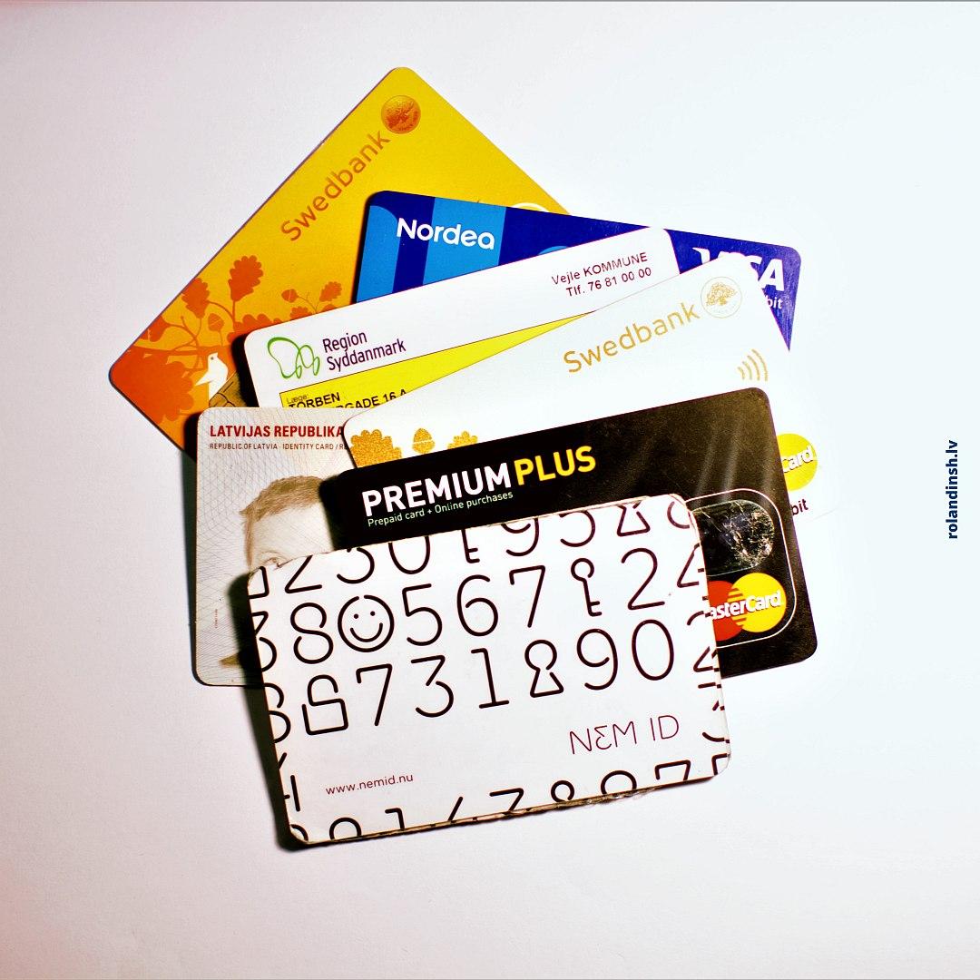 Dānijas un Latvijas ID un bankas kartes