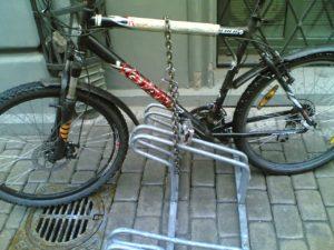 Pārvietošos ar savu velosipēdu. Izmaksas un drošība.