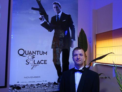 Mierinājuma kvants, james Bond 007 (2008)