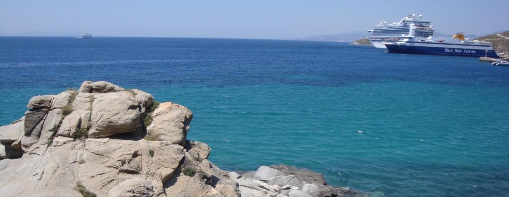 Grieķija. Ziemassvētki un Jaunajais gads pludmalē.